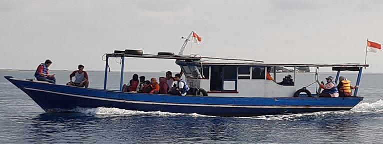 kapal keliling wisata pulau harapan